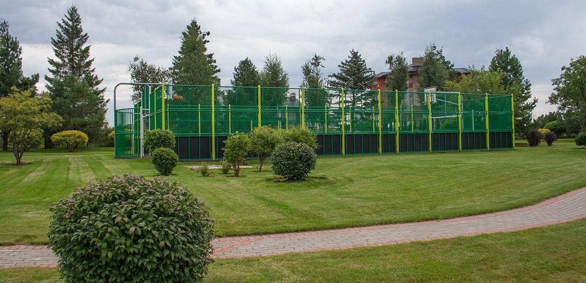 Спортивная площадка в парке Трех озер, КП Миллениум Парк