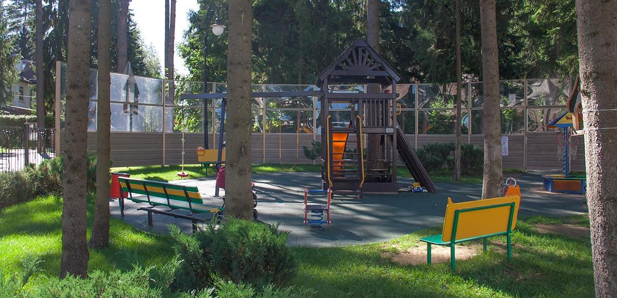 Детская площадка, вид 1, поселок Шервуд