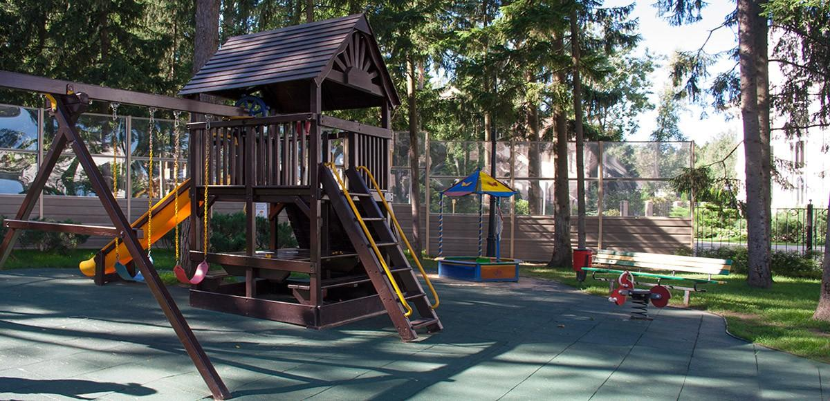Детская площадка, вид 2, поселок Шервуд