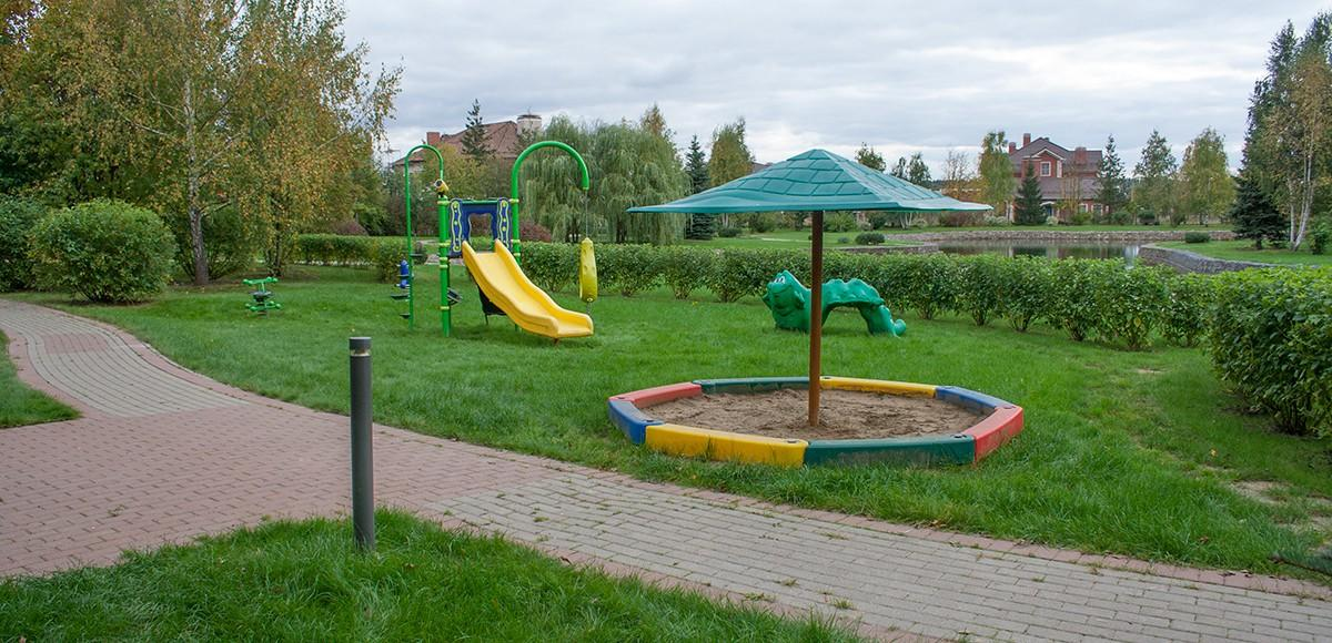 Детская площадка №3 для самых маленьких, КП Монтевиль