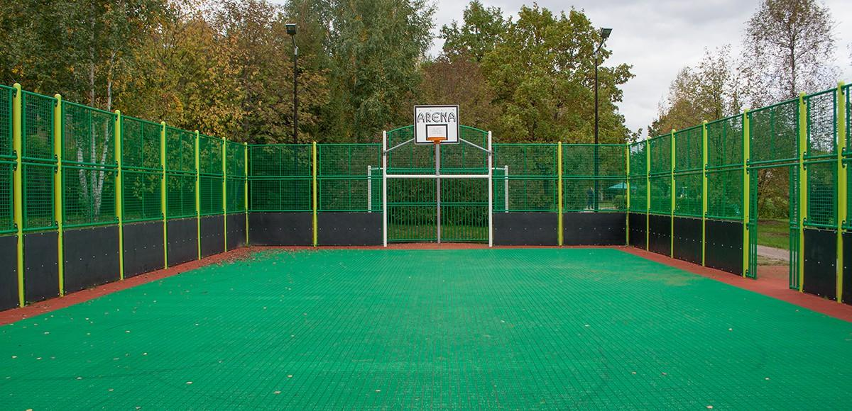 Спортивная площадка в КП Монтевиль
