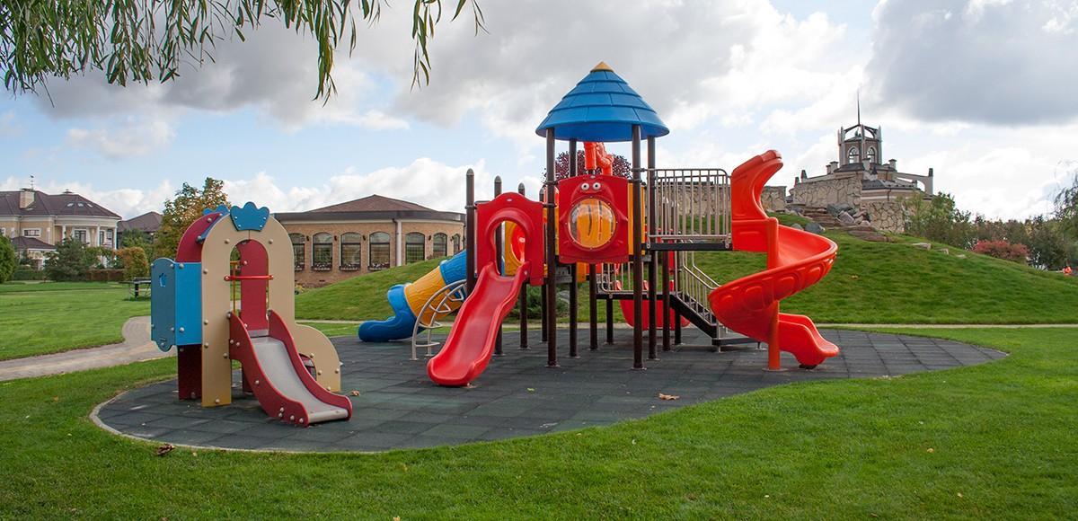 Детская площадка №1 на набережной озера, КП Гринфилд