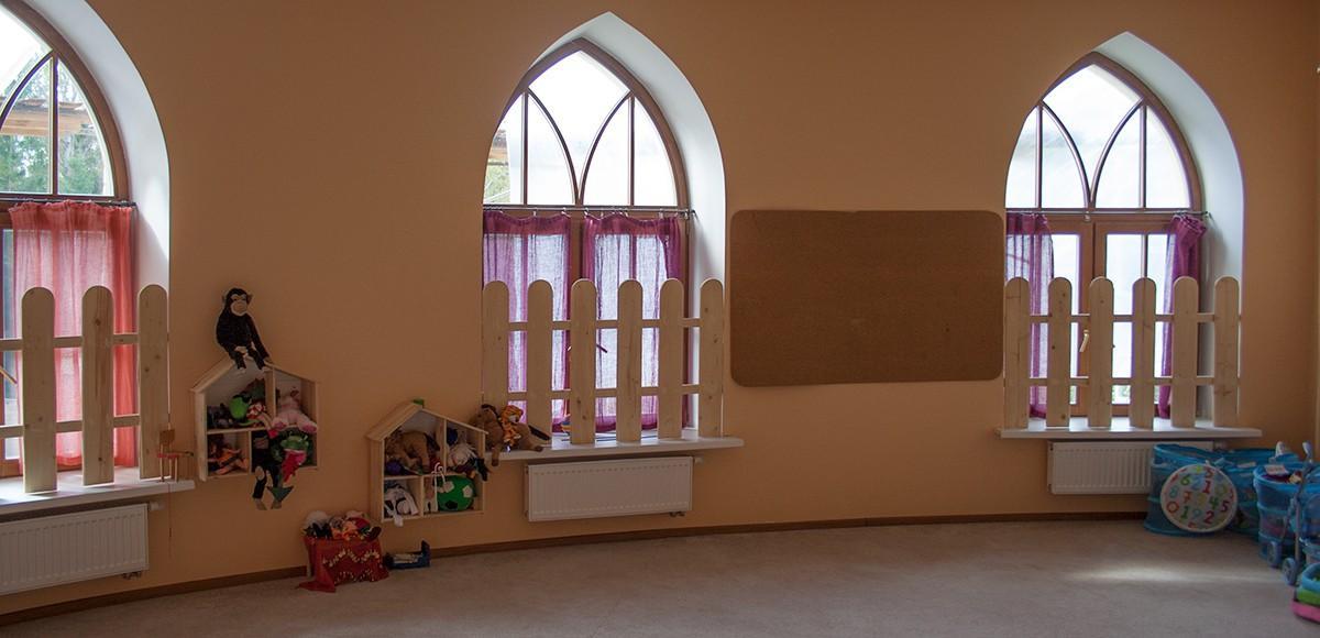 Бежевый зал для занятий, семейного клуба в КП Гринфилд