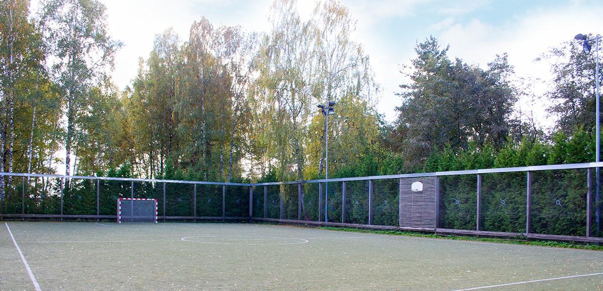 Поле для игры в мини-футбол в КП Курорт Пирогово