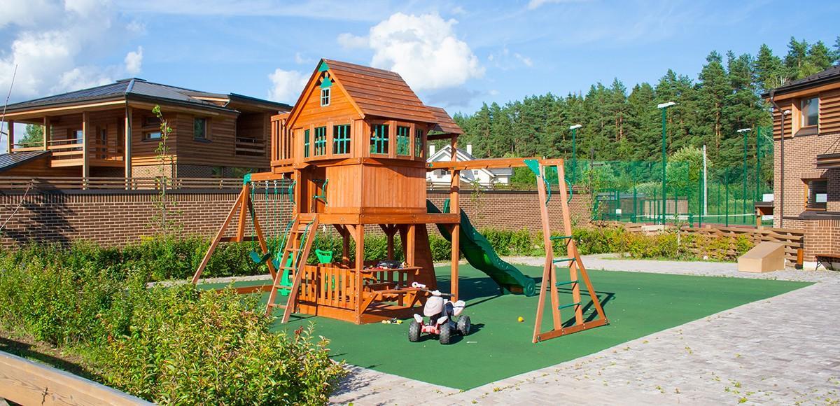 Детская площадка в поселке По-рижская мечта, вид 2