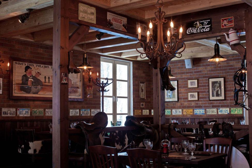Интерьер домашнего ресторана поселка Усово