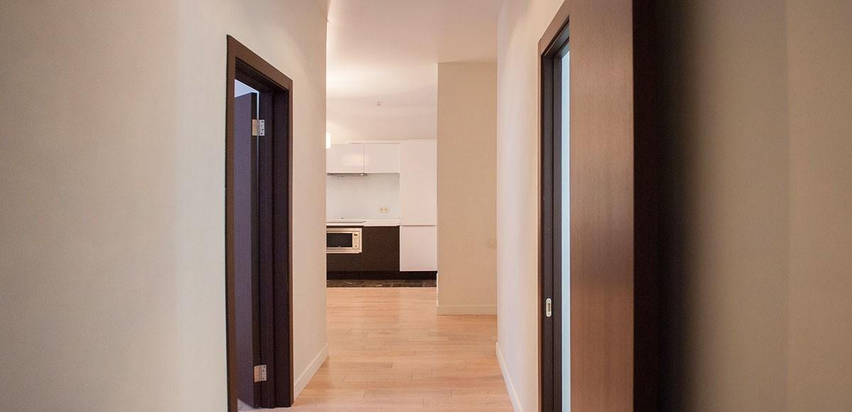 Коридор, вид на кухню-гостиную, квартира 4, Усово
